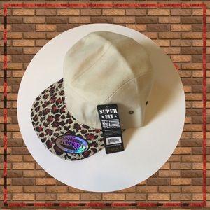 Super Fit Accessories - 🚴🏻♀️ Flat Bill SnapBack Hat