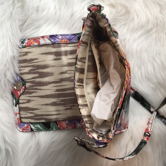 Bags - Faux leather cross-body bag