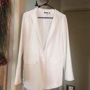 Tildon Jackets & Blazers - Tildon Winter White blazer.