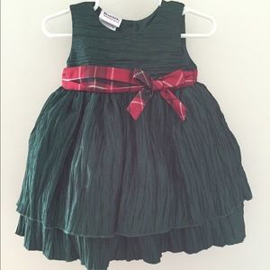Other - Beautiful Forest Green Holiday Dress