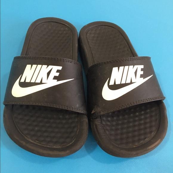 51912049b Toddler size 11 slide on Nike sandals