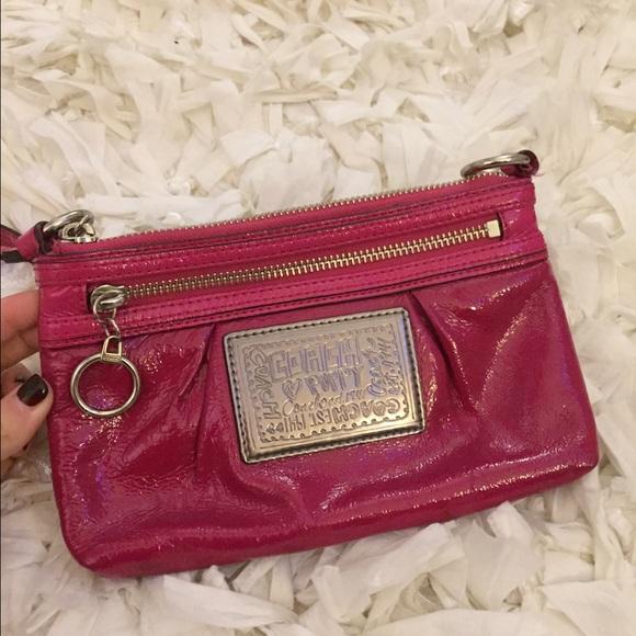 Coach Handbags - Coach Patent Leather Wristlet