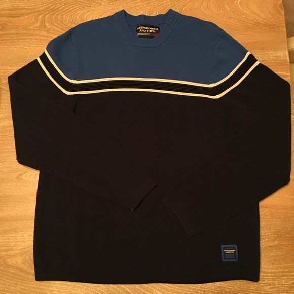 Abercrombie & Fitch crewneck sweater
