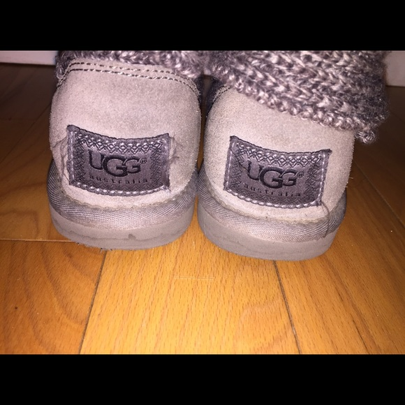 grey knit uggs with buttons
