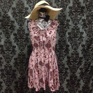 Lulu's Dresses & Skirts - NWT Lulu's Blush & Maroon Lace Up Bodice Dress