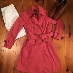 KENNETH COLE: Trench Coat