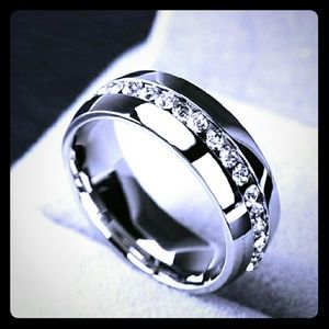 Jewelry - White Gold Ring Surrounded in Diamonds💎