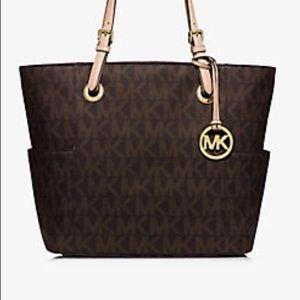 Michael Kors Handbags - MK bag