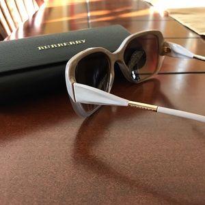 Accessories - ❌ sold Burberry sunglasses