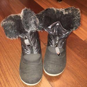 Kamik Other - Kamik silver warm girls/boys Zipper snow boots 13
