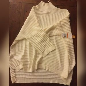 Takara Sweaters - White Turtle Neck Sweater