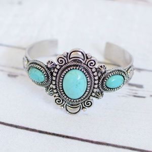 🌵Filigree Western Turquoise Cuff🌵