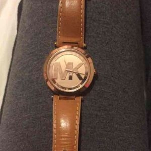 Micheal kors brown leather rose gold