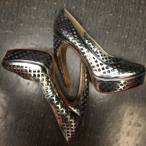 """Ted Baker Shoes - Ted Baker Poppy D metallic 5""""pumps. NEW size 8"""