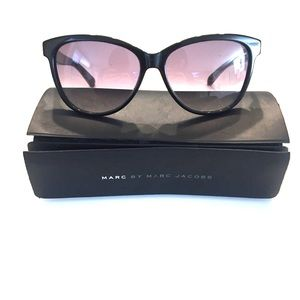 Marc by Marc Jacobs Accessories - Marc Jacobs Sunglasses // REDUCED✨