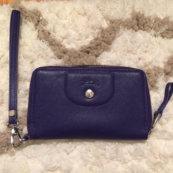 3e069cd354 Longchamp Handbags - Longchamp Le Pliage Cuir wallet
