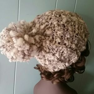 coleyroleypoley Accessories - Chunky Pom Hat