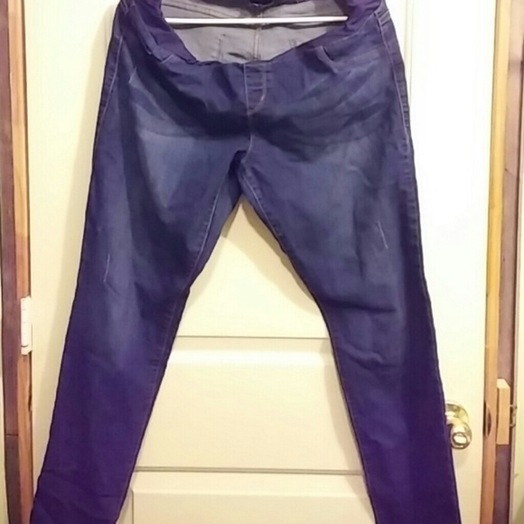 50% off S.O.N.G Denim - Maternity Jeans from Jasmin's closet on ...