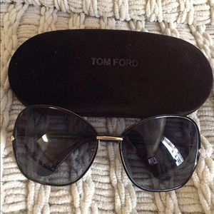 Tom Ford Accessories - Tom Ford Sunglass ☀️