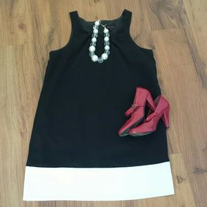 Black and White Colorblock Chic Dress sz 10 Classy