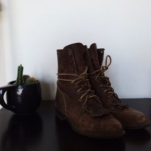 Justin Boots Shoes - Vintage Light Brown Boots