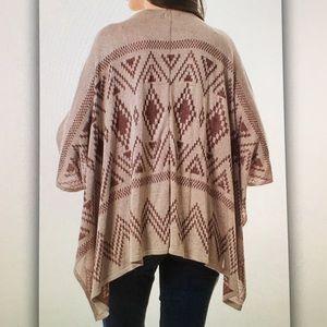 Sweaters - 🍍Tan beige🍍tribal poncho cardigan