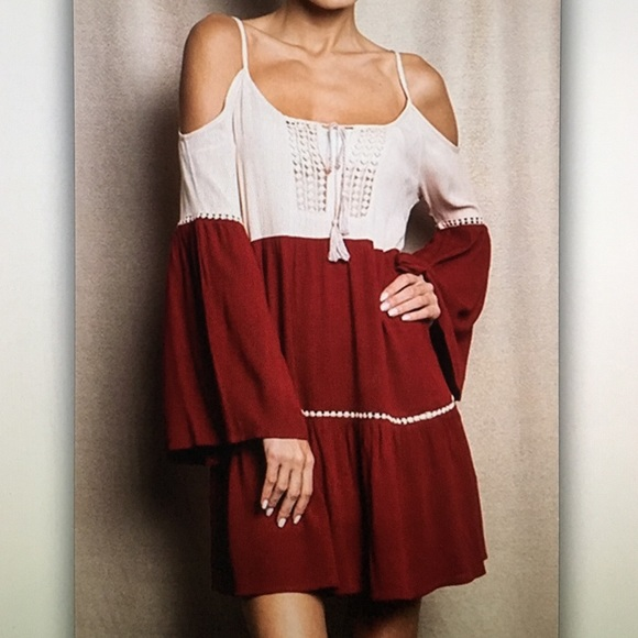 Umgee Dresses & Skirts - 🍷Wine red🍷open shoulder bell sleeve dress
