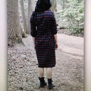 Dresses - 👢Burgundy/charcoal👢 plaid button dress