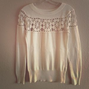 Lux Sweaters - Pullover Sweater w/ Crochet