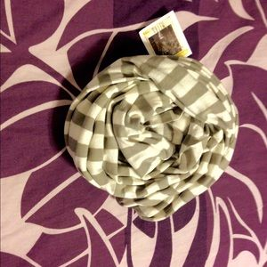 Accessories - NWT Striped infinity scarf