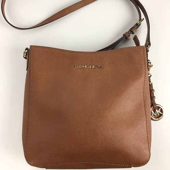 036a88c6b1d6 Michael Kors Jet Set Large Saffiano Messenger Bag.  M 58508f1099086a91e6094c12