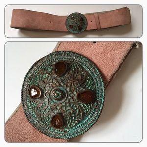 Accessories - Vintage suede Pink leather belt large patina buckl