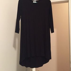 Black 3/4 length sleeve shift dress