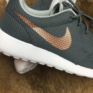 666f898a8ca89 Nike Shoes - NWT Nike ID custom rose gold swoosh