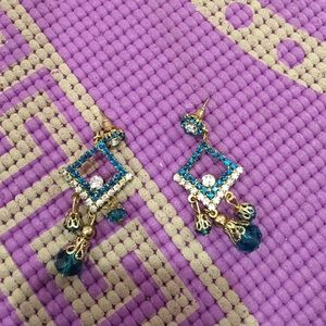 Gorgeous dangly Bollywood style earrings