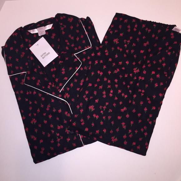 06f46490c0 Victoria s Secret Flannel Rose Pajama Set