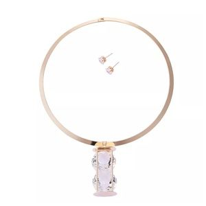 Jewelry - Gold Crystal Hourglass Choker Collar Necklace D40