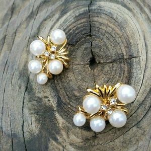 VINTAGE PEARL & GOLD PLATED EARRINGS