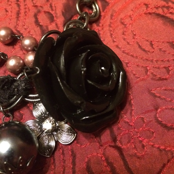 Jewelry   Black Vintage Jewel Heavy Statement Necklace