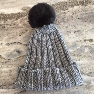 Fratelli Talli Accessories - Faux Fur Pom-Pom Beanie