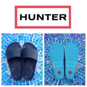 Hunter Boots Shoes - NEW!  Authentic HUNTER mustache slides in navy