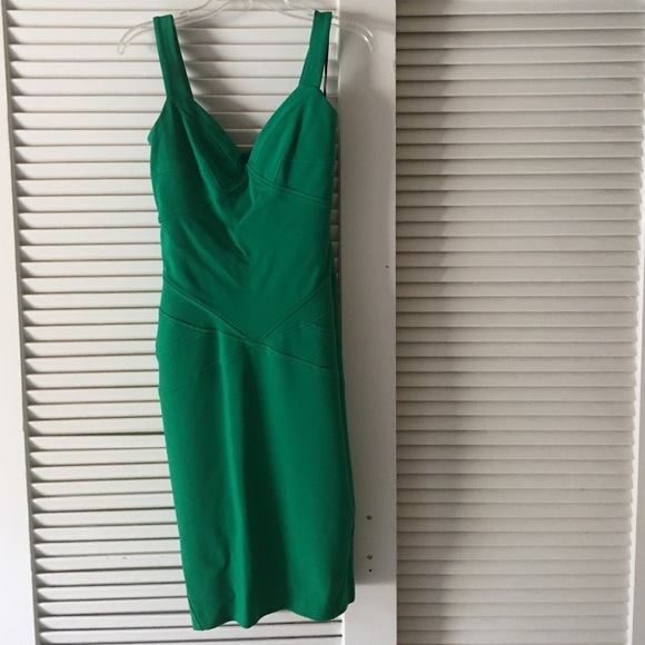Diane von Furstenberg Dresses & Skirts - DVF Green Dress 👗