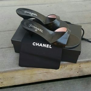 CHANEL Shoes - NO BUNDLE *Classic Sophisticated* Chanel shoes