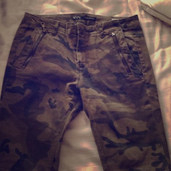 94608375756af Zara Pants   Army Fatigue   Poshmark