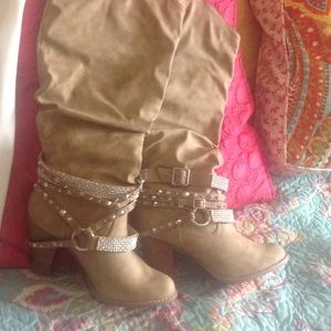 Size 10 jeweled boots