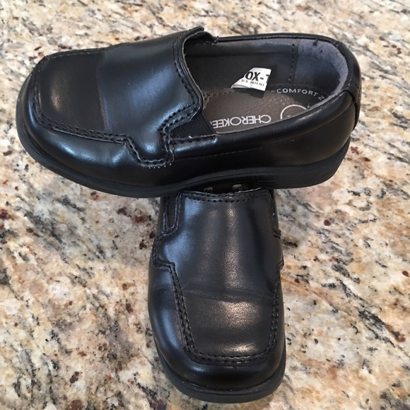 Toddler size 7 black dress shoes size