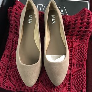 MIA Shoes - Brand new Mia suede flats.