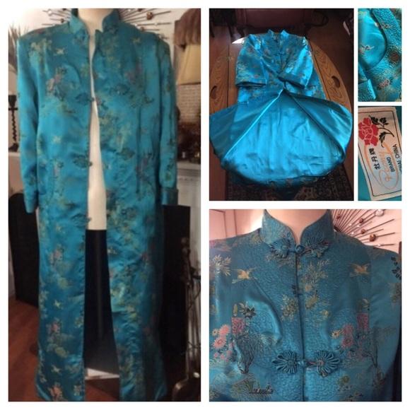 78ab575f5f7321 Vintage Oriental Kimono Robe PEONY BRAND SHANGHAI.  M 58d7e02b6a5830c6f5008318