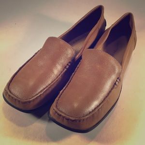 """Trotters Shoes - TROTTERS Tan Leather """"Poplar"""" Loafers Ladies 10.5"""