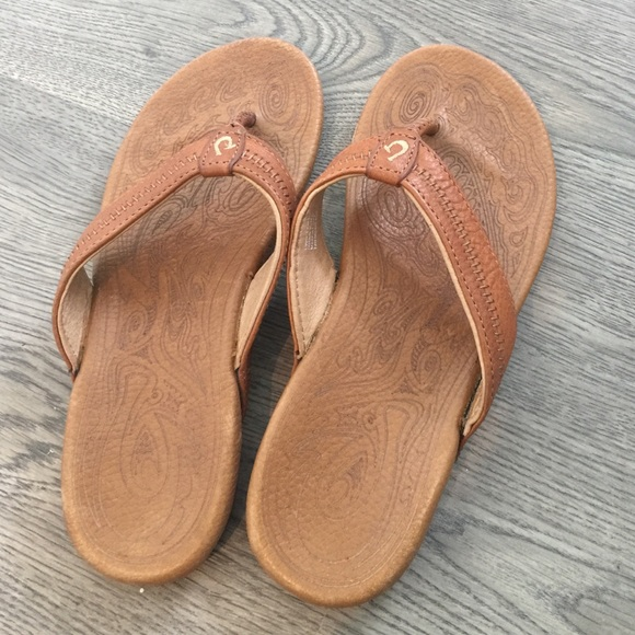 bfe16c546321a0 Olukai haiku sandals women s size 6. M 5851b7bf56b2d6feba01655d